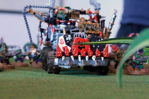 Ork Trukk revving it's way through vegetation. Loaded up with Burna Boyz.