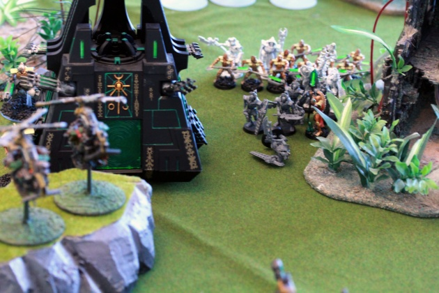 Deffkoptas and their strafing run resulted in cleaning out a unit of Scarabs and downing one Lychguard. You can see the bases of Deffkoptas there in the distance...