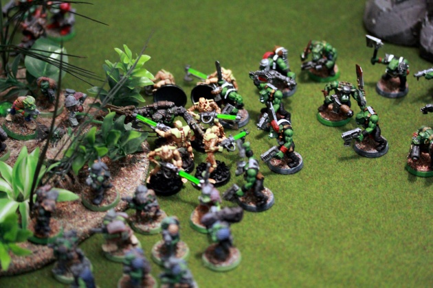 Mayday! Mayday! Positions overrun! The poor Warriors didn't have a fighting chance against Mad Dog although all his Gretchin companions were chopped up. Imagine that.
