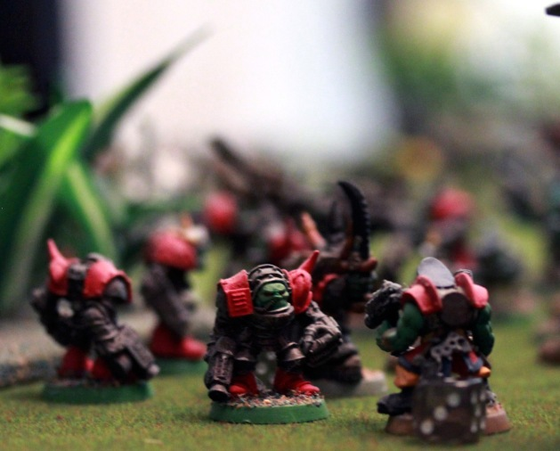 """""""I wanna bust sum moah tin cans!"""" After turn 4, the Ork hordes started flowing pretty freely towards the objectives."""