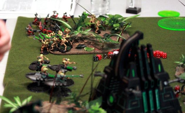 Kommandos entered the back line followed by more Warriors. It predicted the impending failure of Necron's defenses. Destroyers have already backed out to protect the one remaining objective the Necrons are still fighting for.