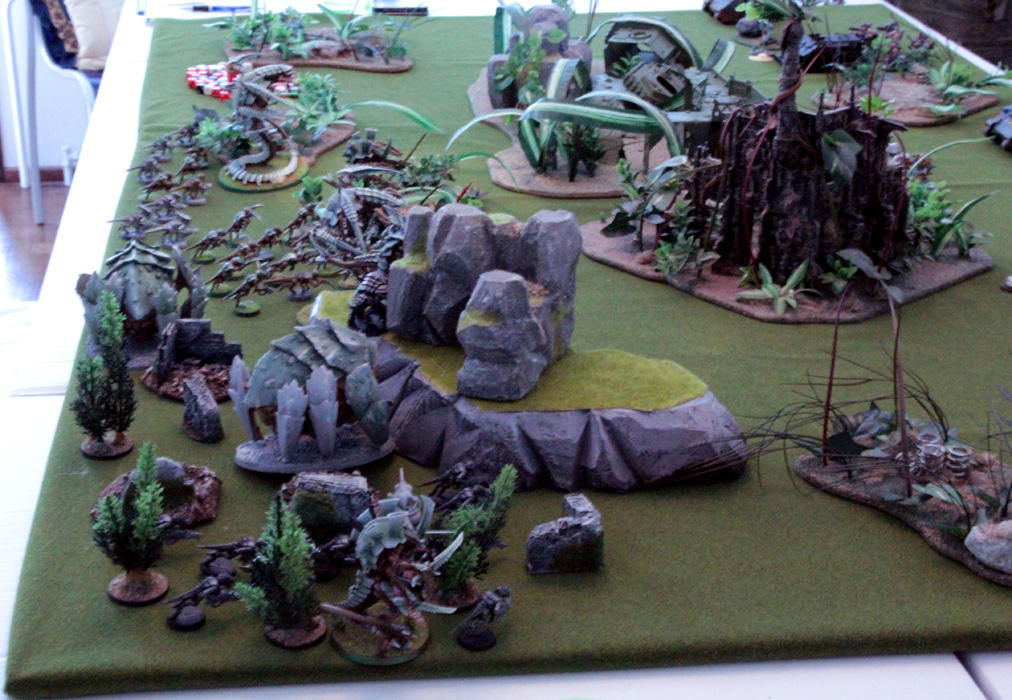 Tyranids opted to deploy all they got excepting a unit of Ymgarl Stealers that have special deployment rules.